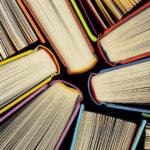 Libri da leggere, utili anche per decorare casa!