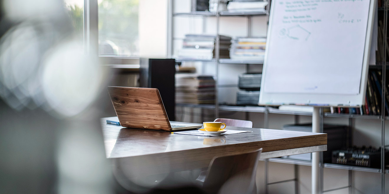 Regole e idee per arredare l 39 ufficio made with home - Arredare ufficio idee ...