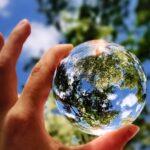 La Terra ha bisogno del nostro aiuto più che mai! Anche Ikea può darti qualche esempio di sostenibilità ambientale.