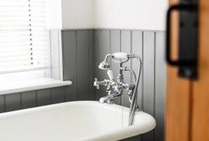 Se hai voglia di rendere più particolare il bagno di casa tua, dai uno sguardo a questi accessori (e non solo!) in grado di dare una svolta!